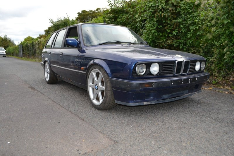 View BMW 3 SERIES E30 316 Lux Touring